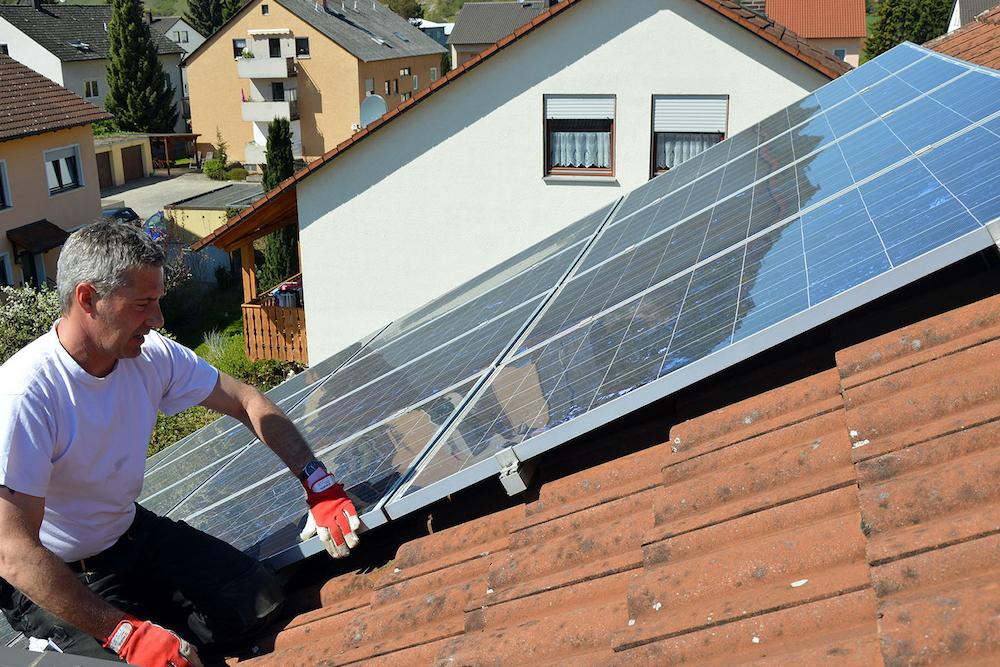 Sauber genug für die Sonne?  Müssen Solarmodule gereinigt werden?