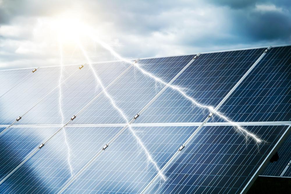 5 Tipps, wie Sie Solaranlagen vor den Folgen von Sturm und Unwetter schützen können