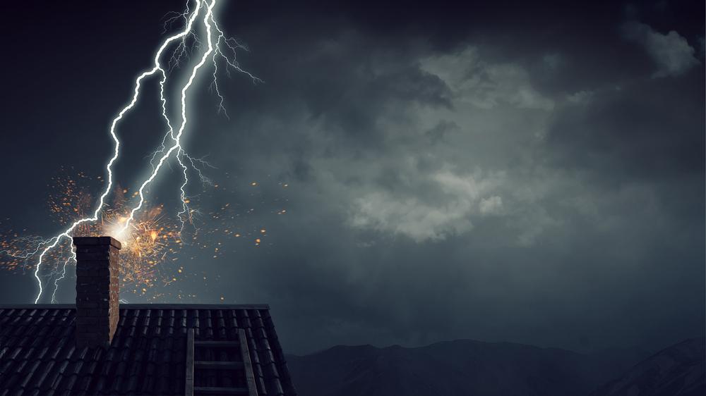 Das richtige Blitzschutzsystem auf dem Dach